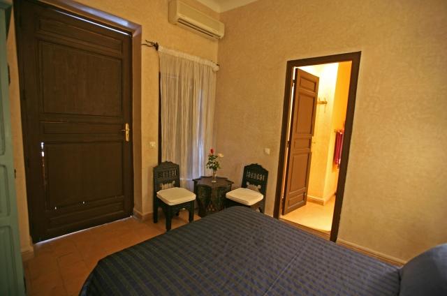 http://www.riadalwane.com/photo/img_2001_1404324310.jpg